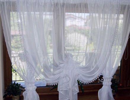 Záclona s krajkou